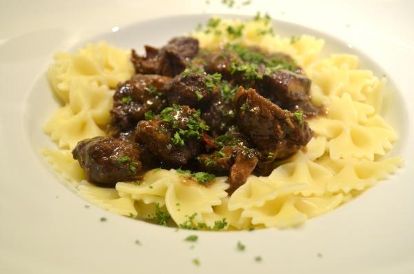 runderstoof met pasta