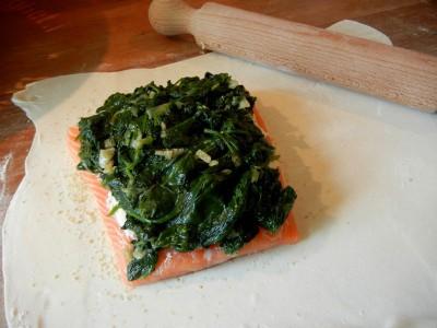 zalm, spinazie op bladerdeeg